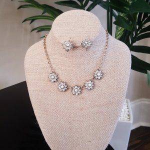 Chloe + Isabel Wedding Necklace and Earrin…
